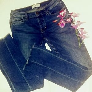 WE THE FREE cut and frayed hem size 26